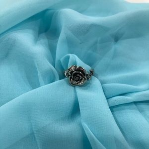 Jewelry - NWOT Sterling silver rose ring